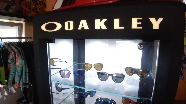 Shop Oakley1