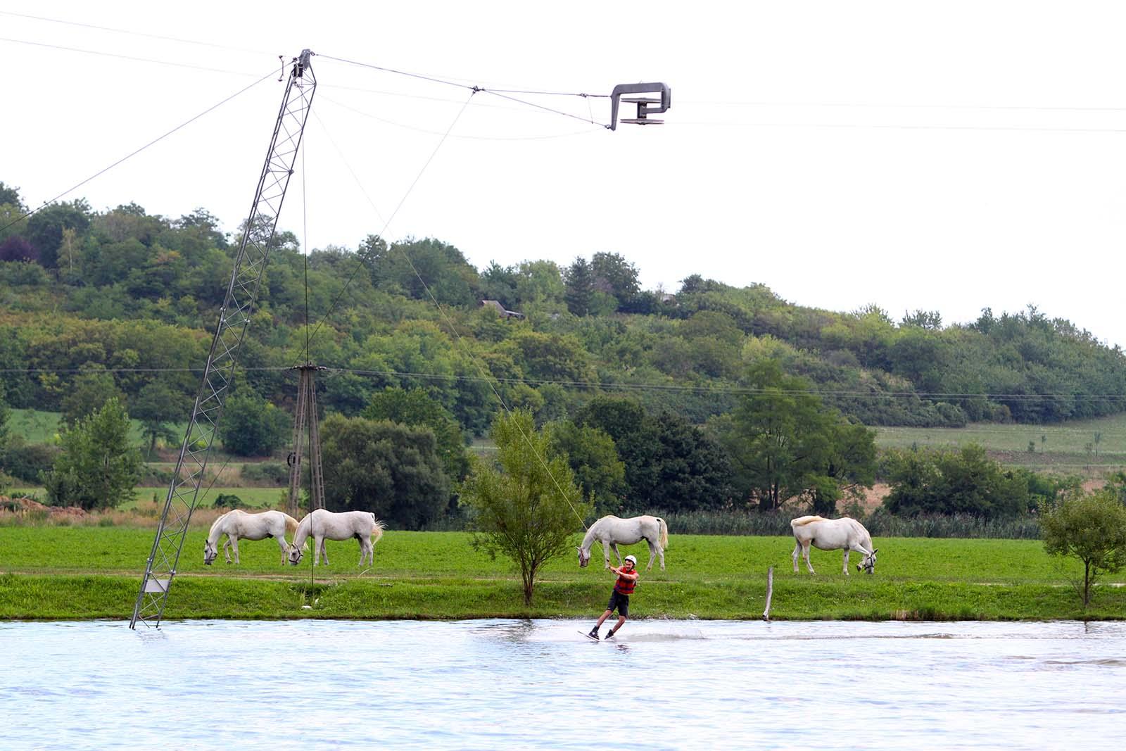 Berek wakeboard Pécs kanyar lovakkal
