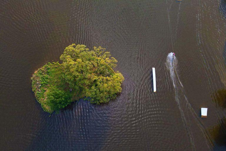 Berek Wakeboard sziget wakeboardossal